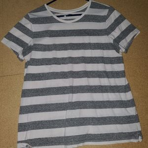 Tops - Old Navy Striped T-shirt